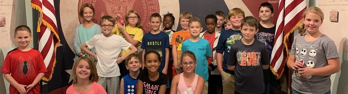 4th graders from Gorsuch West Elementary visited the Ohio Presidents: Surprising Legacies Exhibit at DACO - 2019